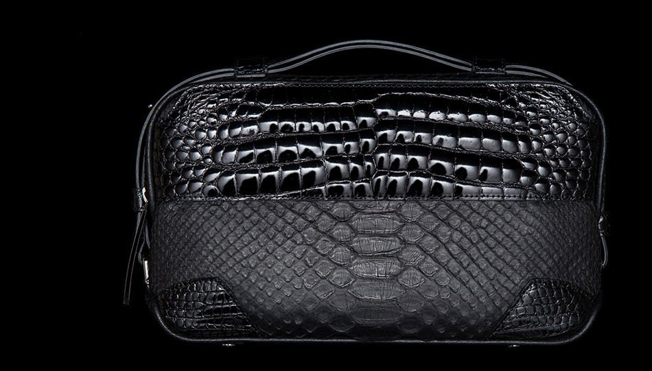 日本のクロコダイル業界のパイオニア的存在の池田工芸のセカンドバッグ