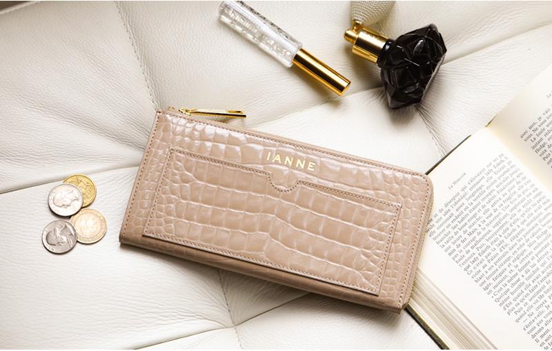 金運アップカラー IANNEの財布