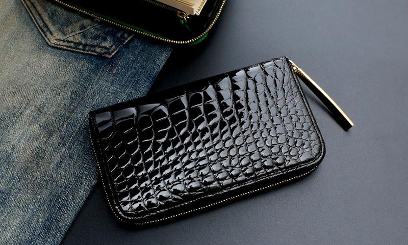 池田工芸の黒い財布 クロコダイル ロングウォレット ダブルゴールドパイソンモデル